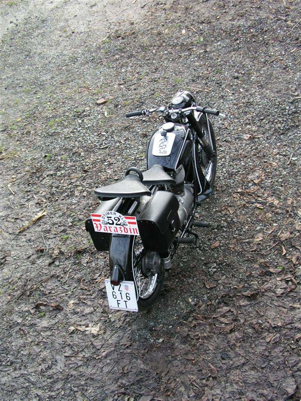 bmw-r25-5back.jpg