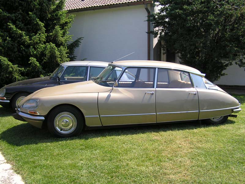citroen-ds21-1side.jpg