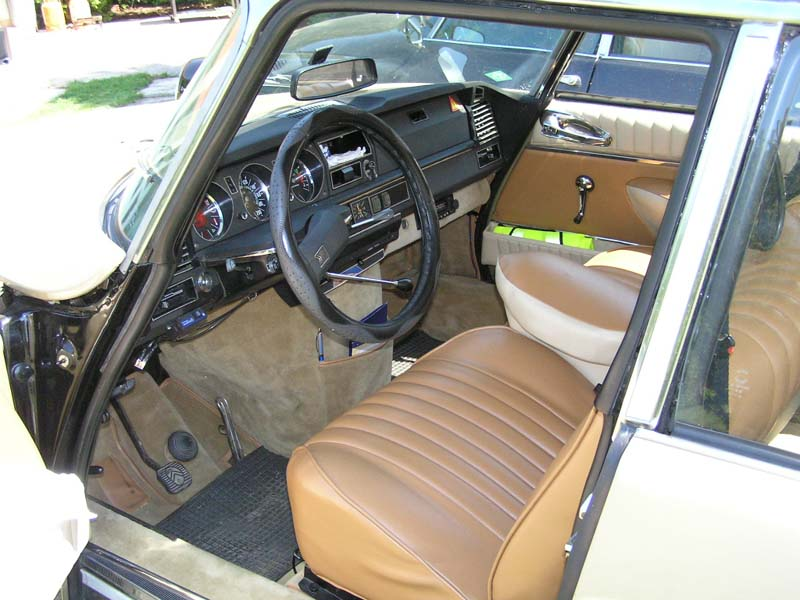 citroen-ds21-4inside.jpg