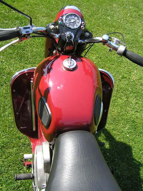 motoruzzi-5top.jpg