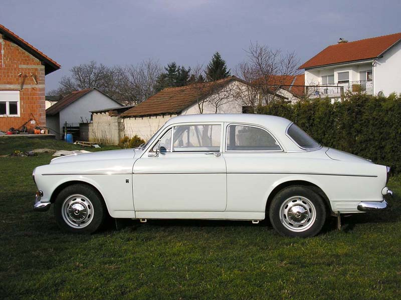 volvo-amazon-4sideb.jpg